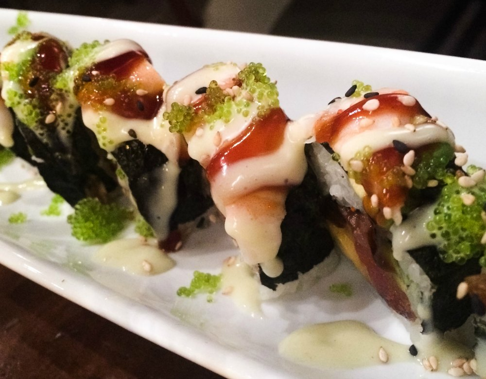 Blue mango roll at Maru in Grand Rapids | The Epicurean Traveler