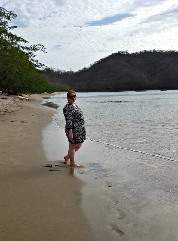 Travel blogger makes footprints on El Jobo beach