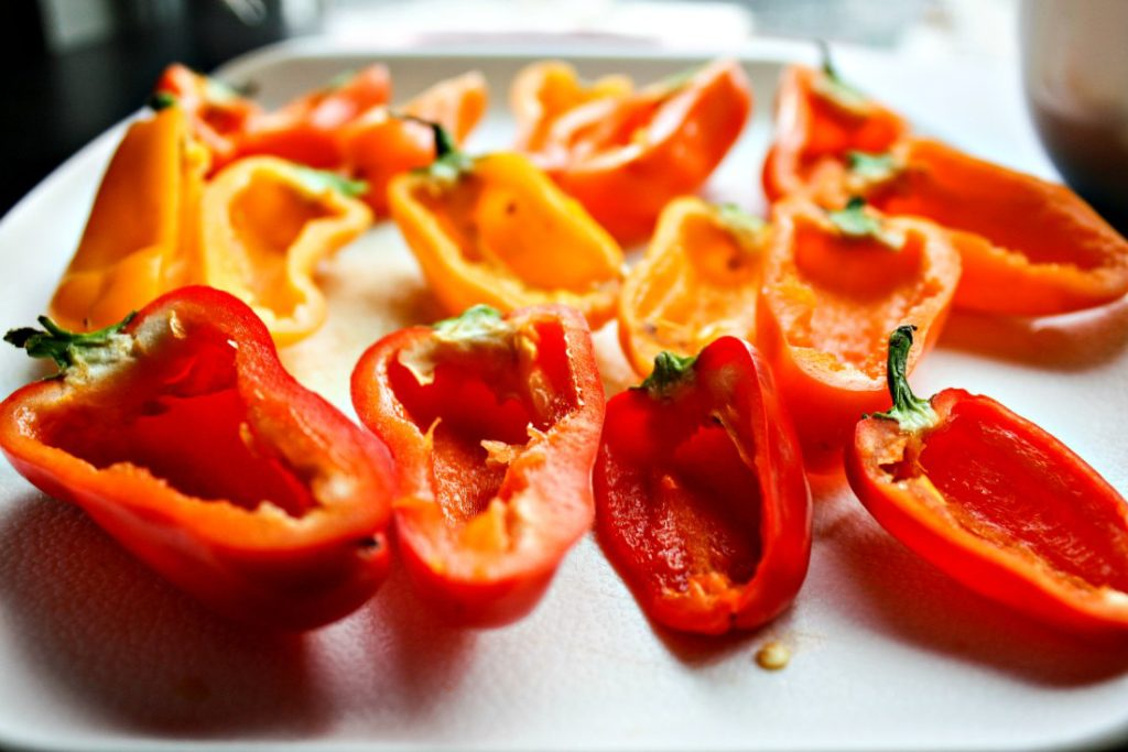 Mini sweet pepper halves