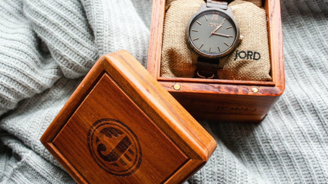 JORD Frankie Sandalwood & Smoke Watch | EpicureanTravelerBlog.com