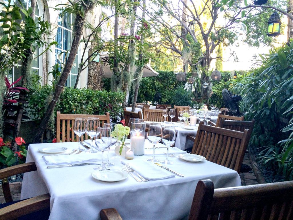 The garden at Casa Tua Restaurant in Miami Beach, Florida | EpicureanTravelerBlog.com