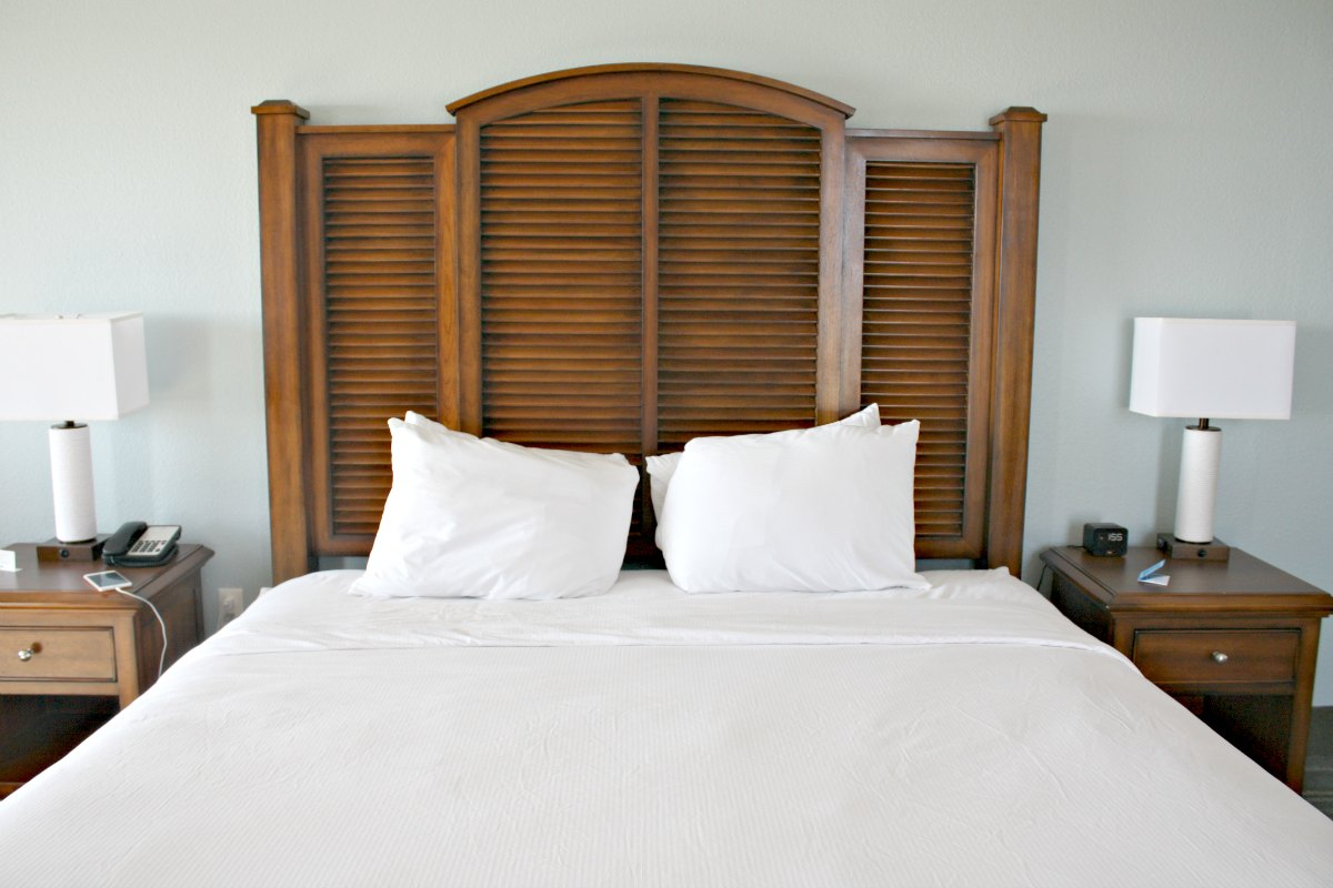 Island House Hotel Orange Beach King Bed