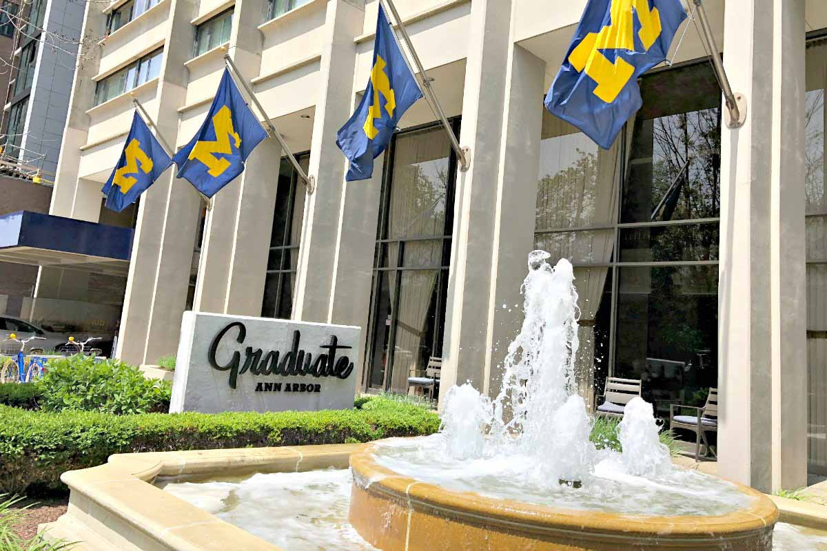 Graduate Ann Arbor is a campus-inspired boutique hotel in the heart of downtown Ann Arbor, Michigan, USA. #sponsored #AnnArbor #DestinationAnnArbor #GraduateHotels #ErinInAnnArbor #ErinInA2