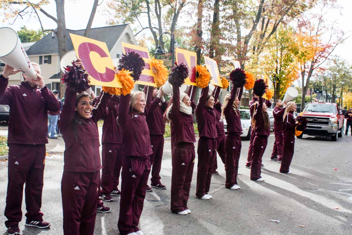 Central Michigan University cheerleaders in Homecoming parade