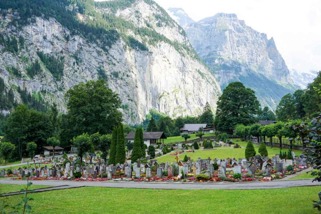 Friedhof Cemetery in Lauterbrunnen, Swtizerland